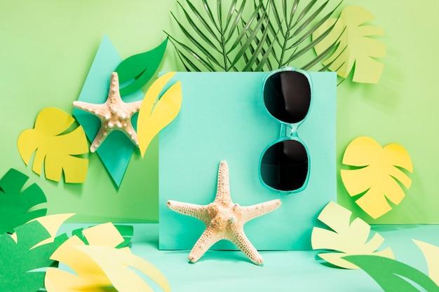 Vista frontal de accesorios conceptuales de verano