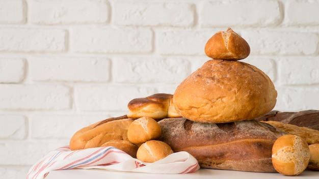 Vista frontal arreglo de pan