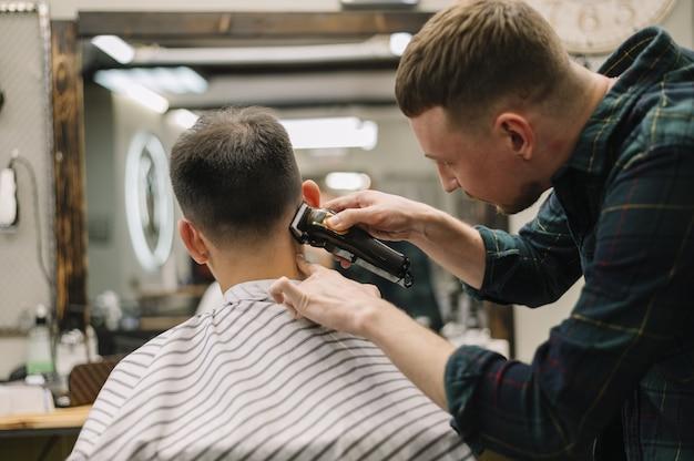 Vista frontal del concepto de barbería