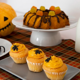 Vista frontal del concepto de caramelos de halloween