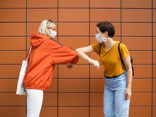 Vista frontal del concepto de distanciamiento social