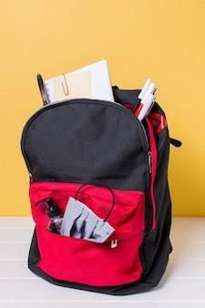 Vista frontal del concepto de regreso a la escuela