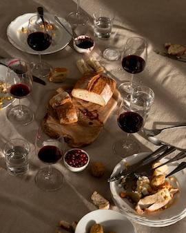 Vista frontal de la deliciosa comida de acción de gracias
