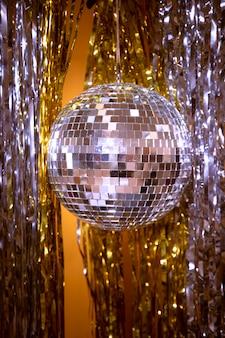 Vista frontal del globo para la fiesta de año nuevo