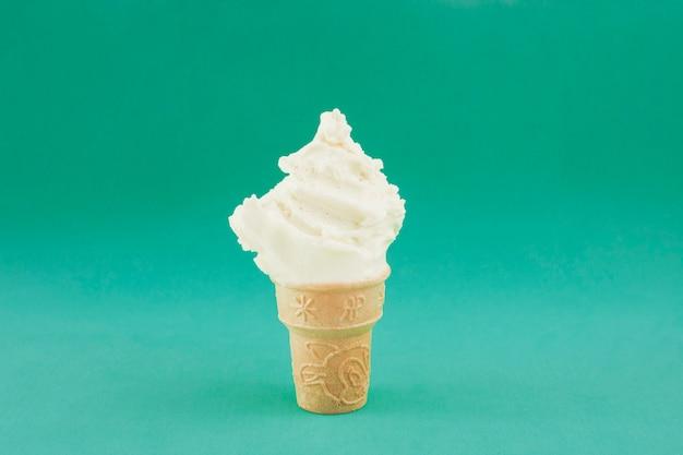 Vista frontal helado cremoso