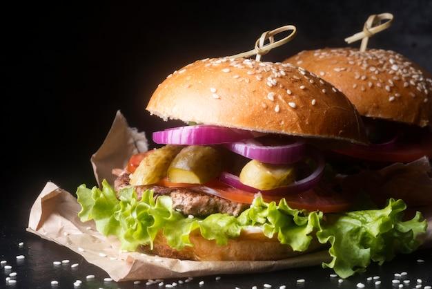 Vista frontal del menú de hamburguesas