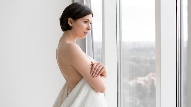 Vista frontal, de, mujer hermosa