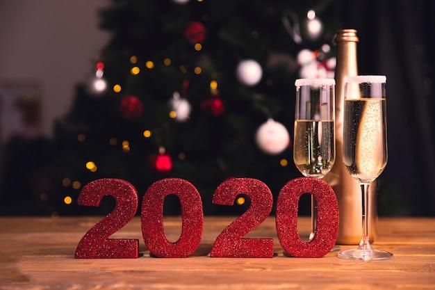 Vista frontal de los preparativos para la fiesta de año nuevo