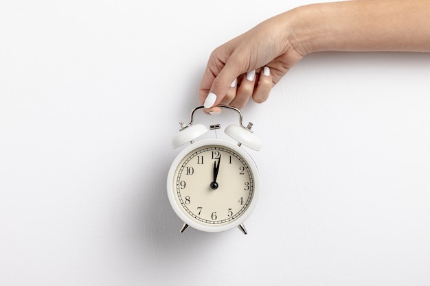 Vista frontal del reloj de mano con espacio de copia