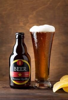 Vista frontal sabrosa composición de cerveza americana