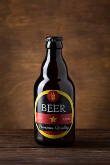 Vista frontal sabroso arreglo de cerveza americana