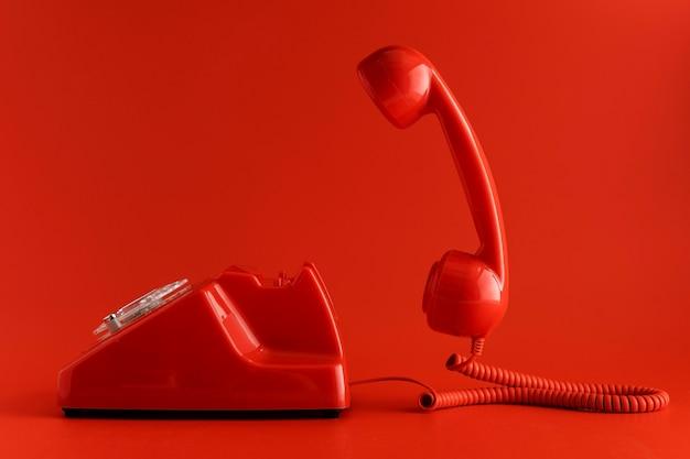 Vista frontal del teléfono retro