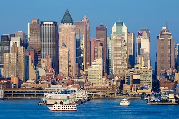 Vista del horizonte en la ciudad de nueva york.