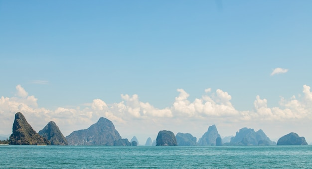 Vista de la isla en la provincia de phang nga