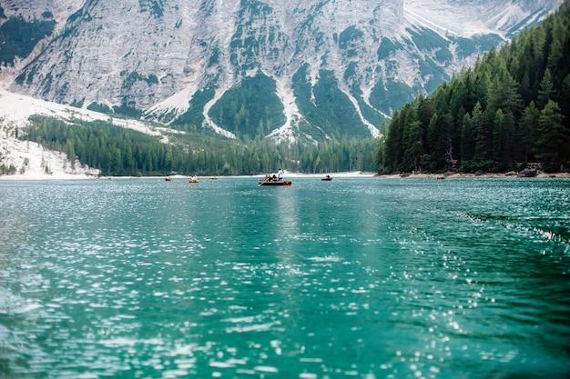 Vista del lago di braies