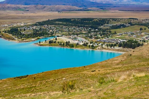 Vista del lago tekapo desde el monte john