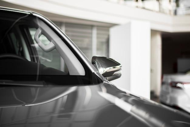 Vista lateral auto nuevo para vender
