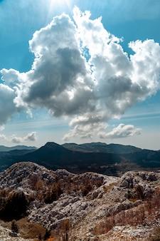 Vista desde la montaña cerca de kotor, montenegro