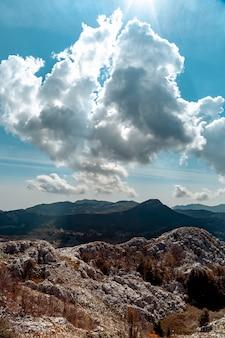 Vista desde la montaña cerca de kotor.