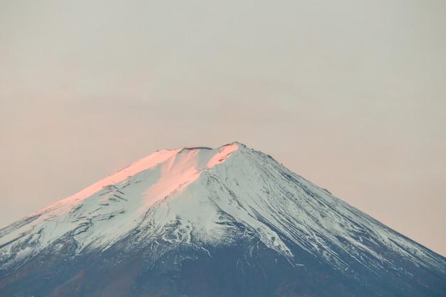 Vista de la montaña fuji, japón.