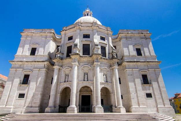 Vista del monumento asombroso del panteón nacional situado en lisboa, portugal.