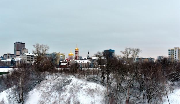 Vista de nizhny novgorod desde arriba