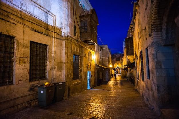 Vista nocturna de jerusalén en israel.