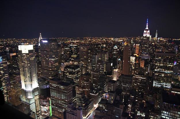La vista de nueva york en la noche, estados unidos