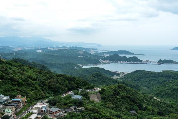 Vista del paisaje desde jiufen, taipei, taiwán.
