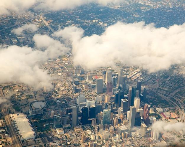 Vista del paisaje urbano de houston texas desde vista aérea