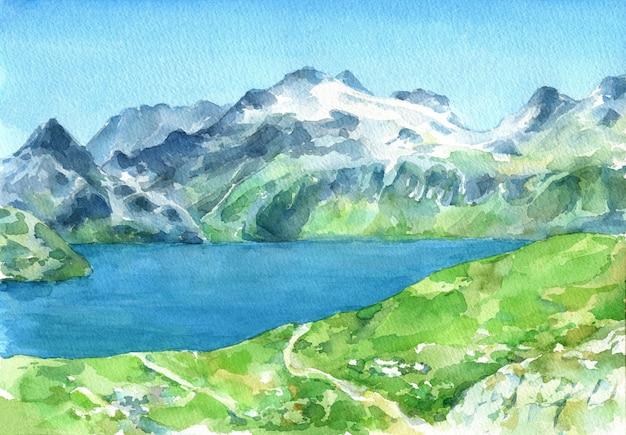 Vista panorámica de los alpes con prados verdes frescos y lago en primer plano. acuarela dibujada a mano ilustración.
