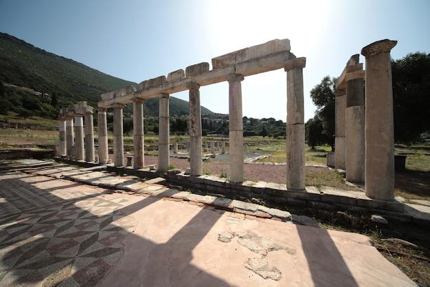 Vista panorámica del antiguo sitio arqueológico de messini