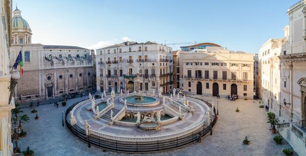 Vista panorámica de la piazza pretoria o piazza della vergogna, palermo, sicilia