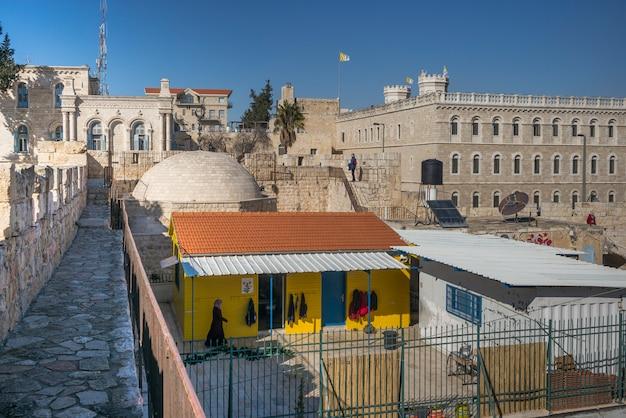 Vista del paseo de la muralla que rodea la ciudad vieja, jerusalén, israel