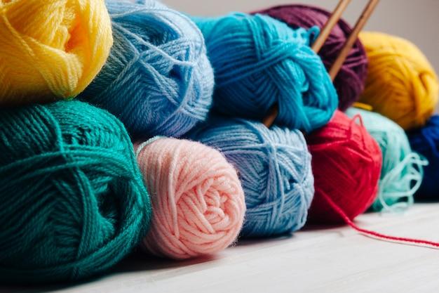 Vista perspectiva de bolas de lana