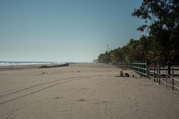 Vista de una playa tropical