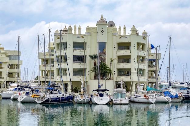 Vista del puerto deportivo de benalmádena