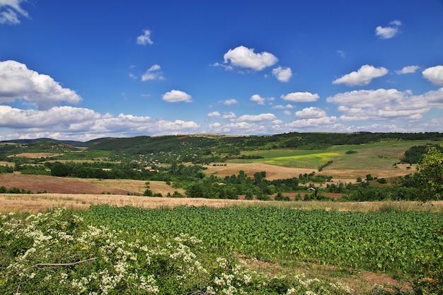 La vista sobre las montañas de bulgaria