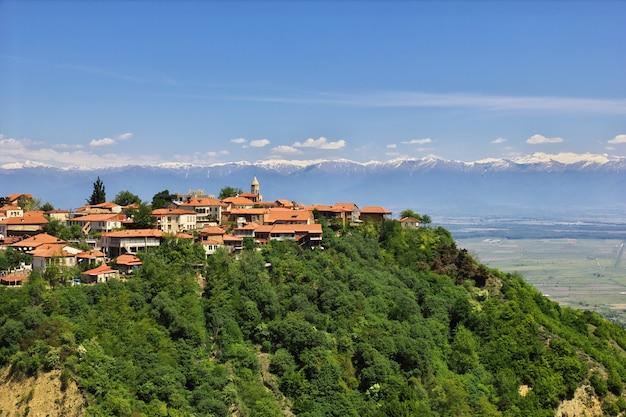 La vista sobre el valle de signagi y alazani en georgia