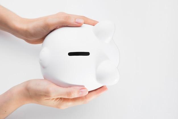 Vista superior de ahorro en hucha