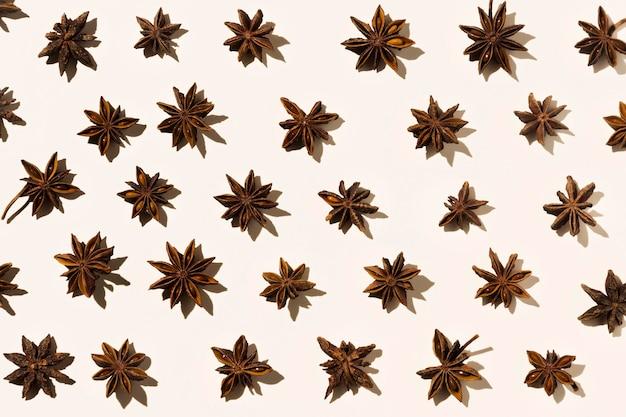 Vista superior del anís estrellado de otoño