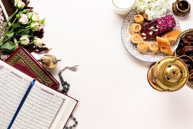 Vista superior año nuevo elementos islámicos.