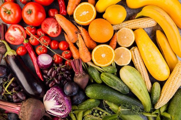Vista superior arreglo colorido de verduras