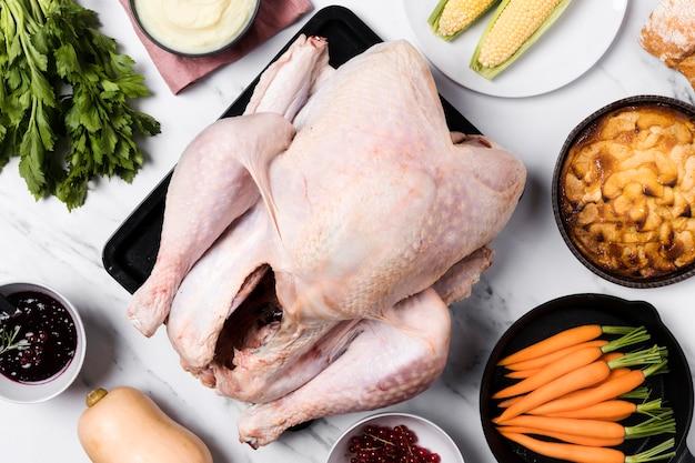 Vista superior arreglo de comida de acción de gracias