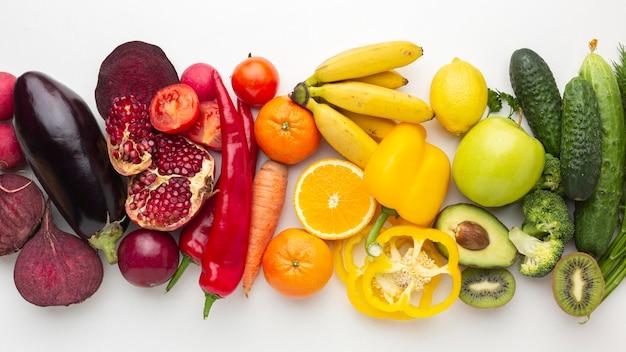 Vista superior arreglo de frutas y verduras