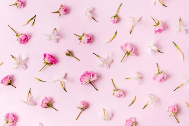 Vista superior del arreglo de rosas concepto