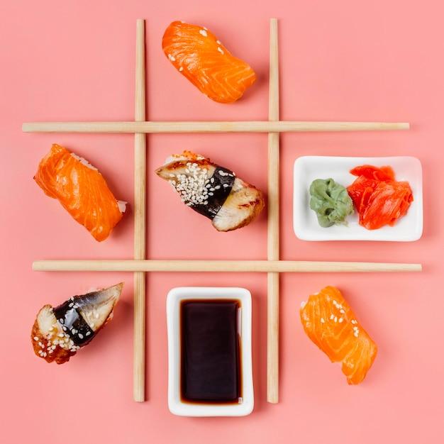 Vista superior arreglo de sushi japonés tradicional