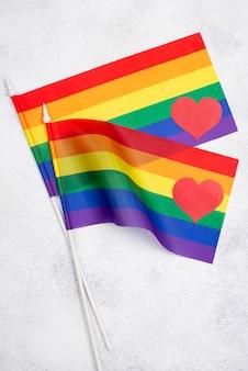 Vista superior banderas del día del orgullo
