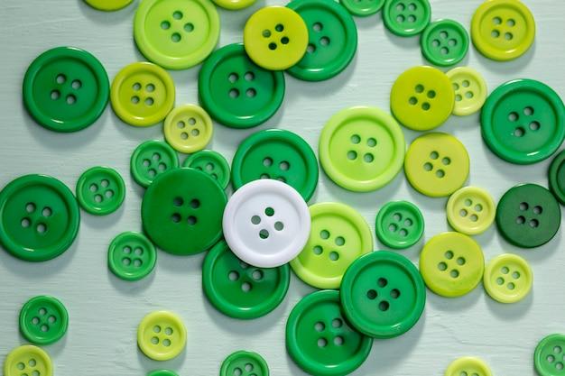 Vista superior de botones verdes