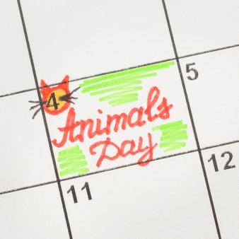 Vista superior del calendario para el día de los animales.